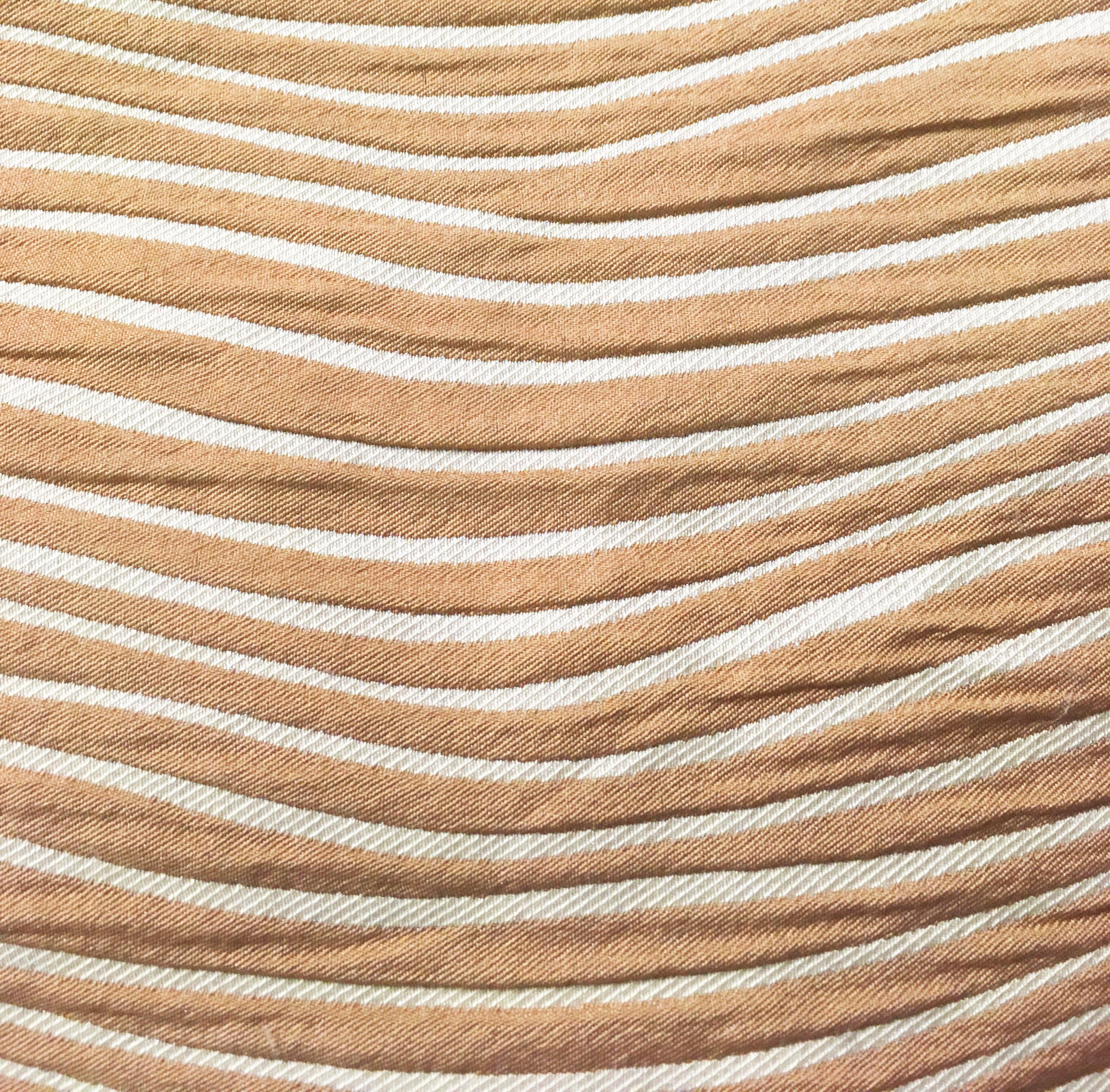 Tessuto sabbia leggero presente in stock in magazzino