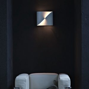 lampada loop wall light