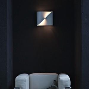 lampada loop wall light