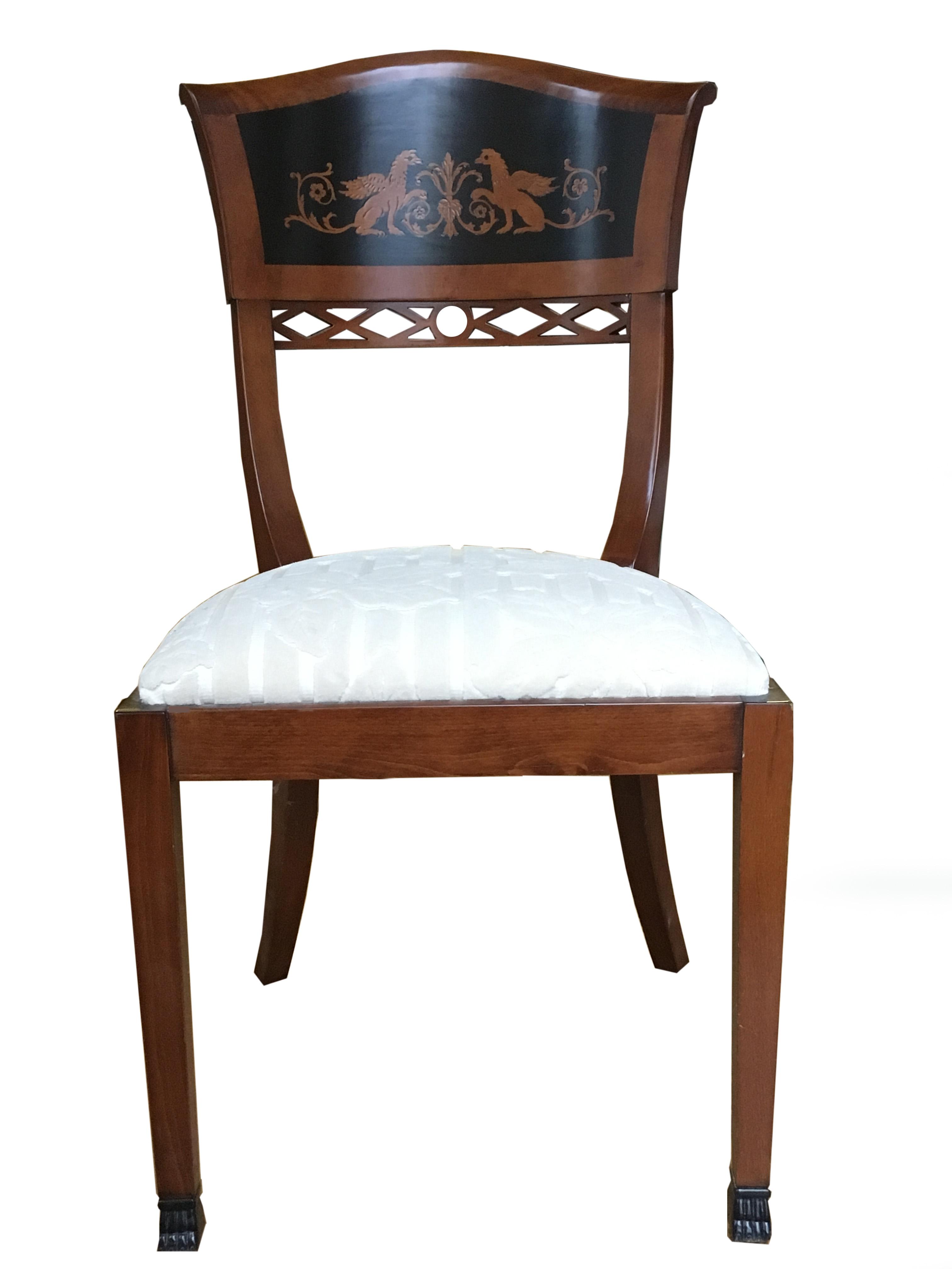 Sedia intarsiata realizzata a mano